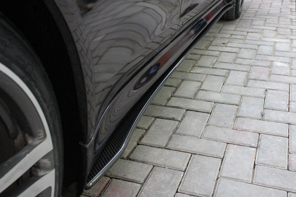 Carbon fiber Porsche Panamera side skirt